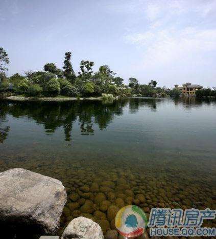 东骏湖景湾实景图
